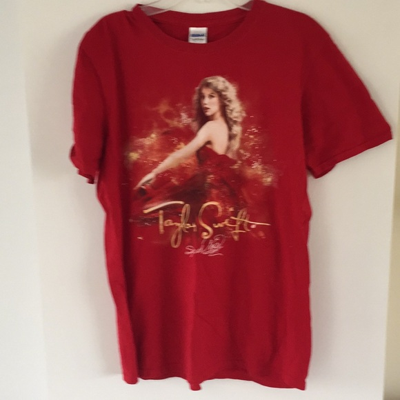 Taylor Swift speak now red concert tour tee M